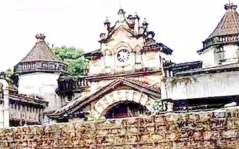 King Kothi Palace fake sale documents, employee held