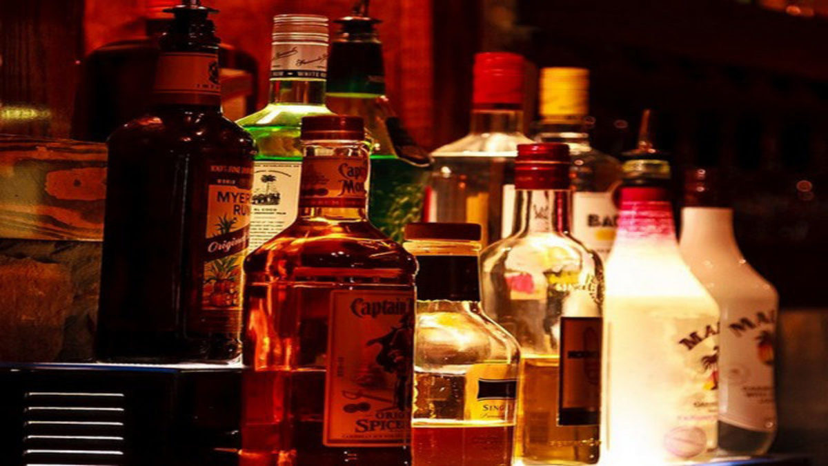 siasat.com - Nihad Amani - Hyderabad-based startup 'Booozie' to door-deliver liquor for free!