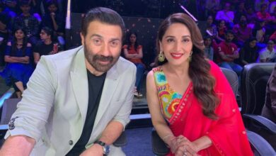 Photo of Madhuri Dixit wishes Sunny Deol on birthday