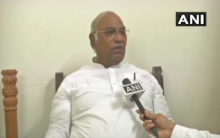We didn't show-off Bofors gun, no need for such 'tamasha':Kharge
