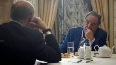Photo of US filmmaker Oliver Stone lauds Putin over role in Syria