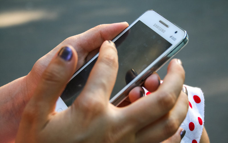 Kashmir lockdown: Pre-paid mobile services barred for 85th day