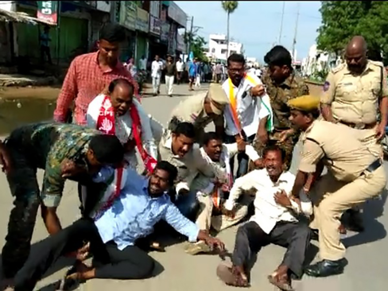 Clash between police, RTC workers in Parakala as strike continue