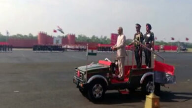 Photo of President Kovind presents Colours to the Army Aviation Corps