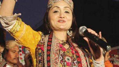 Photo of Pakistani singer Shazia Khushk quits singing for religion