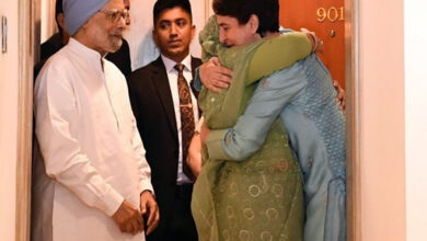 Photo of Priyanka calls B'desh PM Sheikh Hasina an 'inspiration'