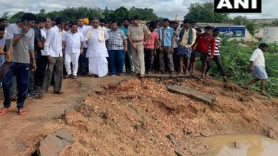 Photo of Former CM Siddaramaiah takes stock of damage due to floods