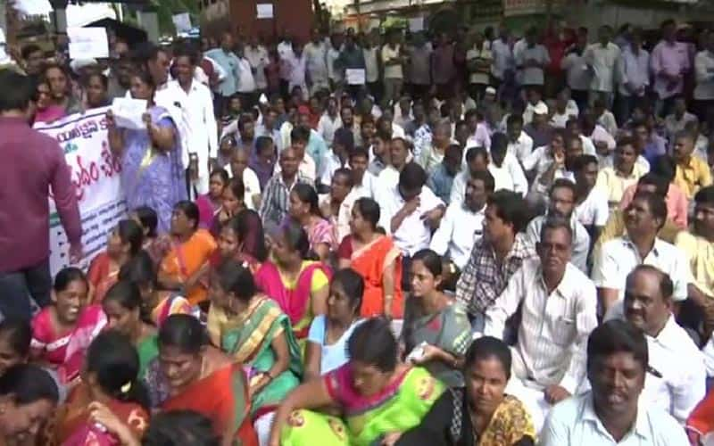 Telangana Labour Commissioner asked to decide on RTC strike