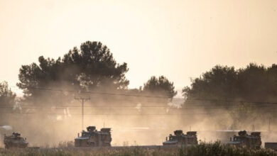 Photo of Turkey keeps up assault on Kurd-held Syria border towns