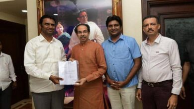 Photo of NCP-backed Independent MLA extends support to Shiv Sena in Maha
