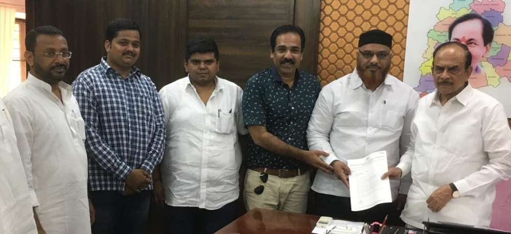 Hyderabad: Congress seeks access to Secretariat mosques
