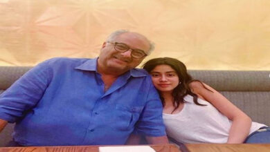 Photo of Janhvi, Boney Kapoor to work together for 'Bombay Girl'