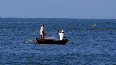 Photo of 7 Indian fishermen apprehended by Sri Lankan Navy