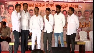 Photo of Youth Congress holds protest against govt over K'taka flood