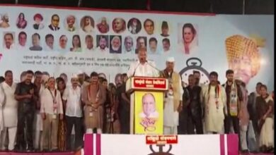 Photo of Sharad Pawar addresses rally in Satara amid heavy rain