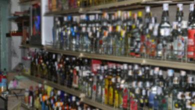 Photo of Hyderabad: Wine shop dealers cash in on Dasara