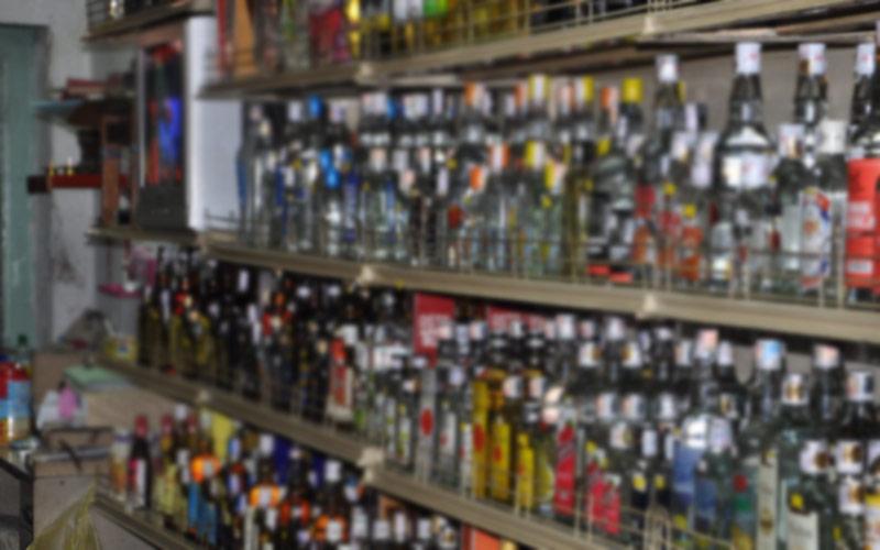 Hyderabad: Wine shop dealers cash in on Dasara