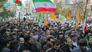 Photo of Iranians rally en masse against 'rioting'