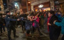 Turkish police fire teargas to disperse women's day rally
