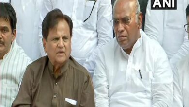 Photo of Today was 'black spot' in history of Maharashtra: Ahmed Patel