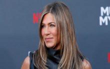 Jennifer Aniston celebrates Thanksgiving with ex-husband Theroux