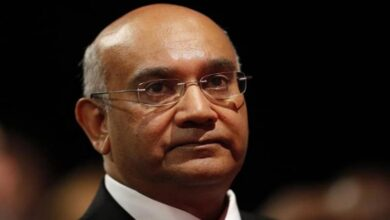 Photo of Longest-serving British Indian MP announces retirement