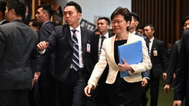 Photo of Xi voices 'trust' in Hong Kong leader, but concern over unrest