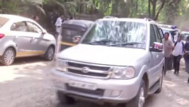 Photo of Uddhav, Aaditya Thackeray reach hotel where NCP MLAs are camped