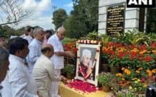 Karnataka CM Yeddiyurappa pays tribute to Jawaharlal Nehru