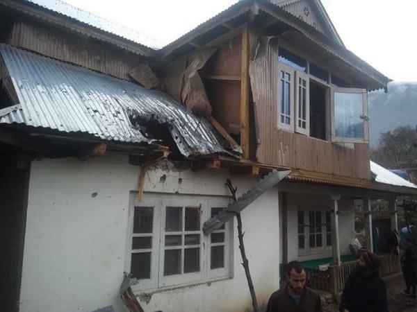 J-K: Pakistan Army resorts to unprovoked mortar shelling, 5 injured