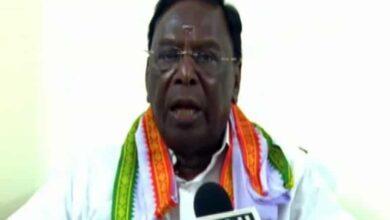 Photo of Puducherry CM V Narayanasamy calls Kiran Bedi a 'demon'