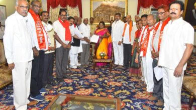 Photo of Opposition leaders meet TS Governor over RTC strike