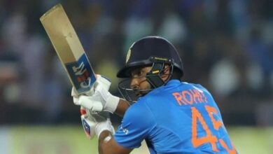 Photo of Rohit becomes 1st Indian to hit 400 sixes in int'l cricket