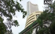 Sensex falls by over 400 points, metal and auto stocks lose shin