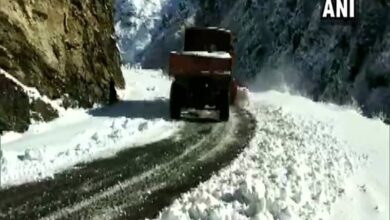 Photo of J&K: Snow clearing operations underway on the Mughal Road