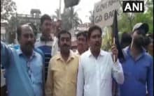 WB Governor shown black flags by TMC workers in Murshidabad