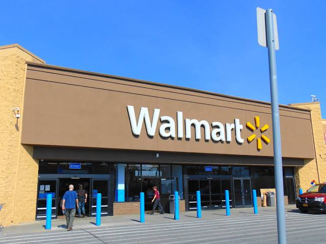 Walmart Q3 earnings surge to $3.3 bn, beating expectations