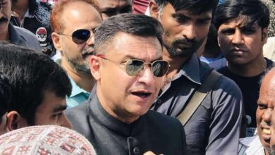 Photo of Hyd court directs police to register case against Akbar Owaisi