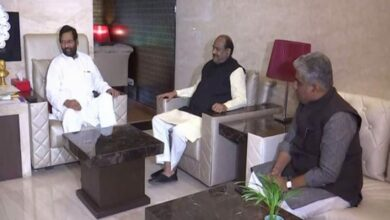 Photo of Om Birla visits Ram Vilas Paswan, enquires about his health