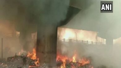 Photo of UP: Fire breaks out in Lucknow's slum under flyover