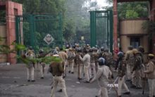 Police lathi charge at Delhi students protesting CAA