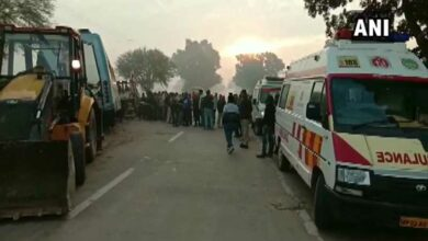 Photo of 9 dead, 23 injured in car-truck collision in MP's Rewa