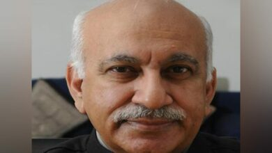 Photo of MJ Akbar forcibly tried to kiss me: Journalist recounts incident