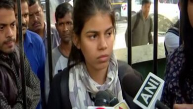 "Photo of I don't want to die, so I went to Parliament to protest"": Anu Dubey"