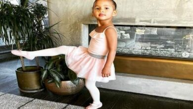 Photo of US model Chrissy Teigen shares picture of daughter
