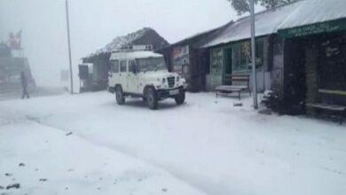Photo of Himachal Pradesh: Snowfalls causes road blockade in Kinnaur