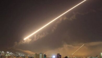 Photo of Israel airstrikes target Iran-linked military base in Syria