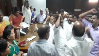 Photo of BJP, CPM councillors of Palakkad Municipality clash over CAA
