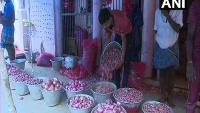 Photo of Onion prices continue to surge in Madurai markets
