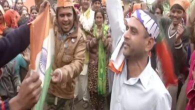 Photo of Hindu refugees celebrate passing of CAB